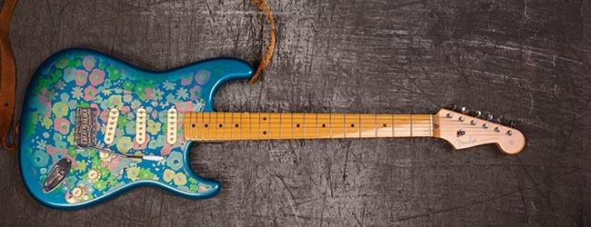 Fender-Stratocaster-2002-Blue-Flower-Power